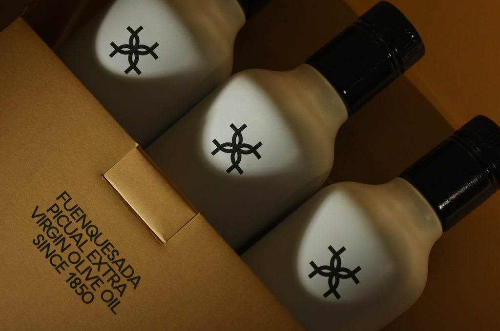 Botellas semi introducidas en su caja (Cosecha 2020-2021)